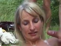 Littlekissmuffin: Ulrika Jonsson Does Dogging