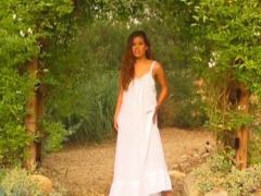 Alexandra Silk love being fingered by the pool outdoor