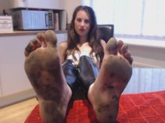 BARE FOOT Dirty Feet Fetish