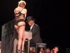 Madonna hawt on and off stage