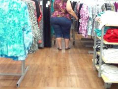 Huge White Buttocks Spotted...