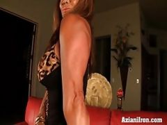 Muscle Babe Pumps Up Her Big Clit